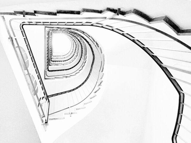 """""""D""""  #Treppenhaus #stairwell #bw #blackandwhite #schwarzweiß #photographie #photo"""